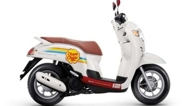 Honda Scoopy edisi Chupa Chups