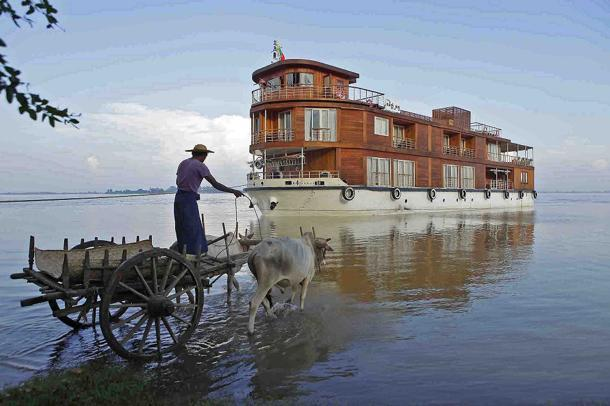 A river runs throught it in Myanmar