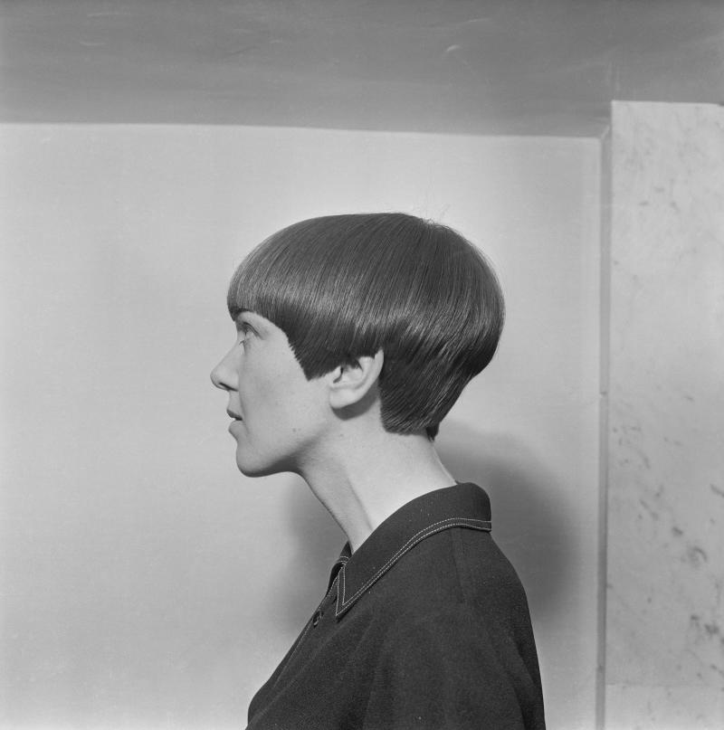 English fashion designer Mary Quant with her new bob cut hairstyle by hairdresser Vidal Sassoon, London, 10th November 1964. (Photo by Ronald Dumont/Daily Express/Hulton Archive/Getty Images)
