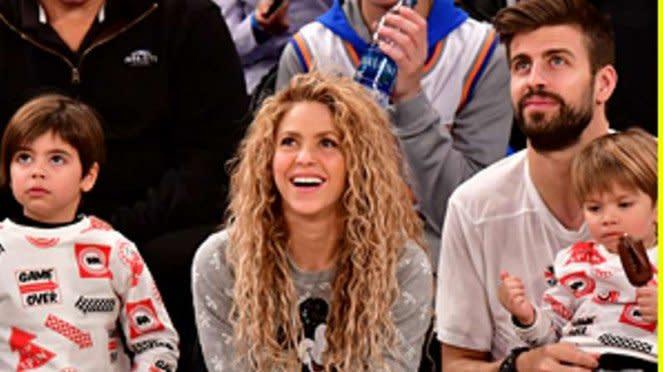Gerard Pique dan Shakira liburan Natal.