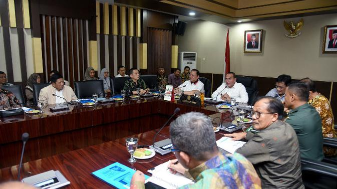 Pembahasan soal kolera babi antara pemprov Sumatera Utara dan DPR RI. (Liputan6.com/Reza Efendi)