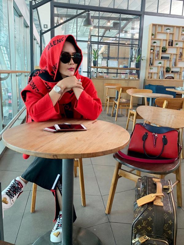 Inul Daratista baru saja unggah foto berhijab, netizen beri pujian. (Sumber: Instagram/@inul.d)