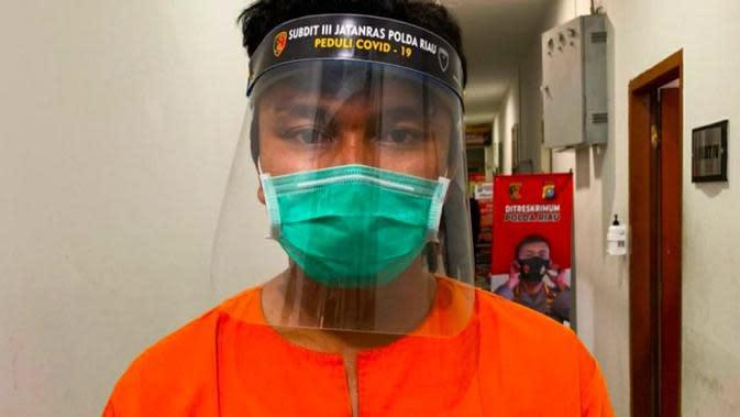 Polisi Tangkap Mekanik Perusak Mobil Polisi Saat Demo di Pekanbaru