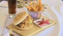 新漢堡搶市! 「川麻雞絲咔啦雞腿堡」只賣5週