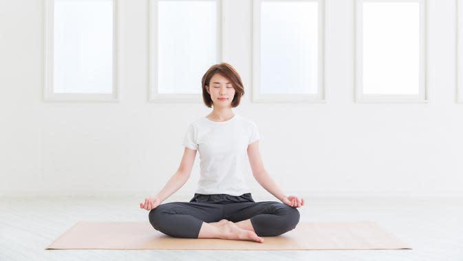 Ilustrasi yoga/copyright shutterstock