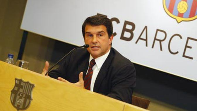 Presiden Barcelona, Joan Laporta dalam sebuah presentasi di markas klub. (fcbarcelona.com)