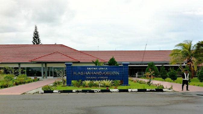Kementerian Perhubungan (Kemenhub) akan menaikkan kelas bandara HAS Hanandjoeddin Tanjung Pandan Belitung menjadi Bandara Internasional.