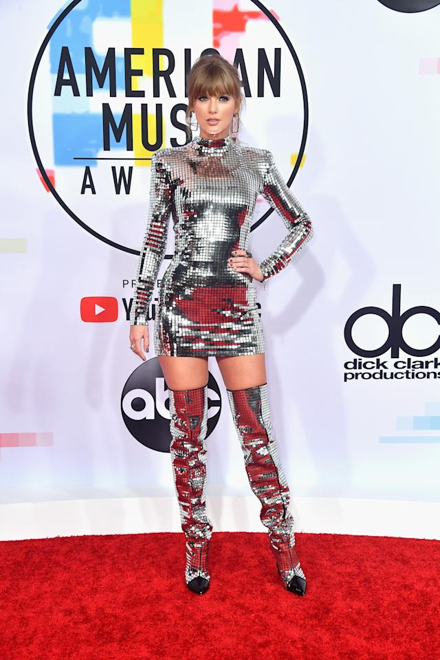 <p>Stunning in silver. <br />Source: Getty </p>
