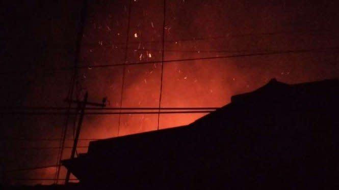 Rumah Warga di Sawah Besar Kebakaran, Damkar Kesulitan Masuk Lokasi