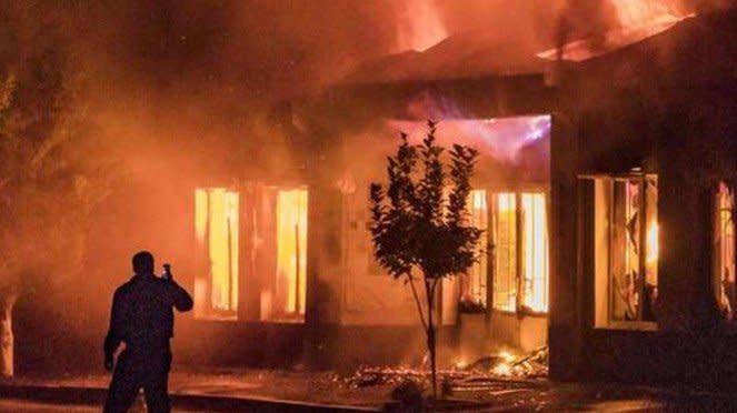 VIVA Militer: Pemukiman sipil Azerbaijan terbakar diserang rudal Armenia