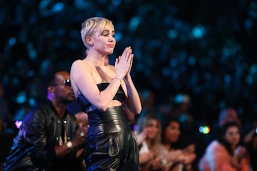 Miley Cyrus VMA Accepted by Homeless Teen: 'I Have the Same Dreams as Many of You' (Video)