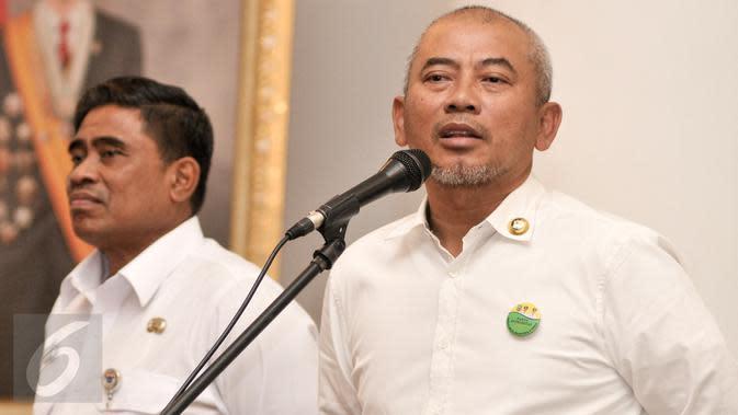 Masuk Zona Hijau, Wali Kota Bekasi Salat Idul Fitri Berjamaah di Masjid Kompleks