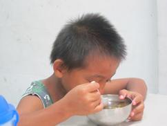 星夢想  幫助花東學童快樂早餐