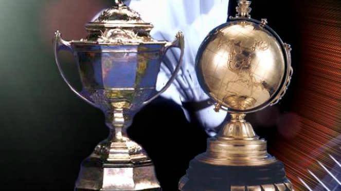 Trofi Piala Thomas dan Uber