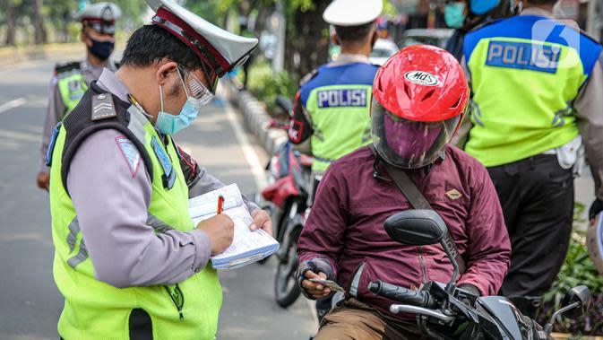 Usai Ditilang, Pelanggar di Padang dapat Siraman Rohani
