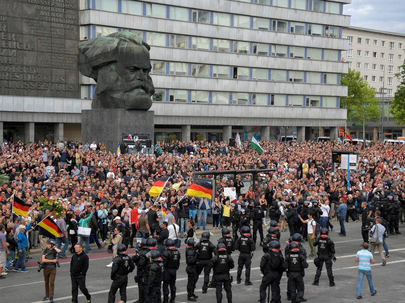 德國男遭外國人殺害 極右派暴動