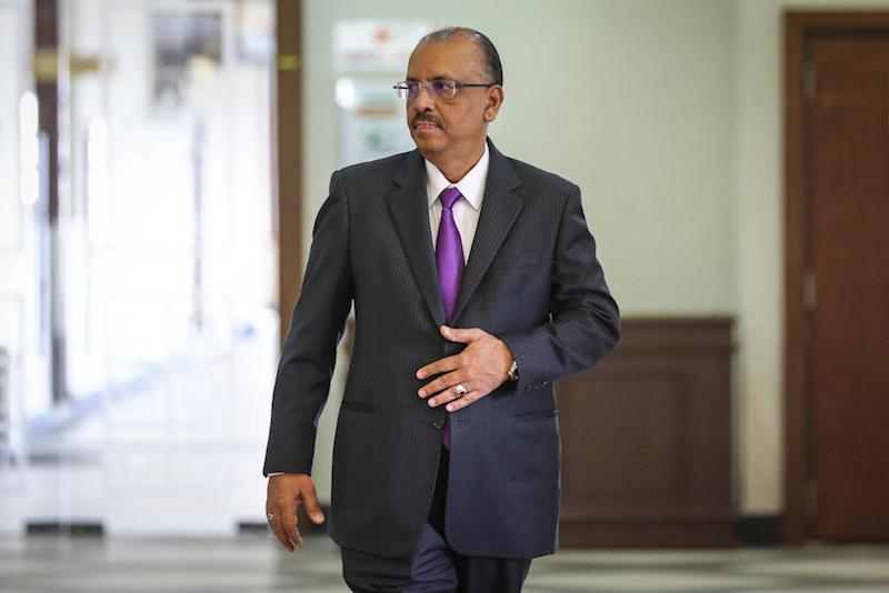 Former chief secretary to the government Tan Sri Ali Hamsa is pictured at the Kuala Lumpur High Court November 20, 2019. — Picture by Yusof Mat Isa