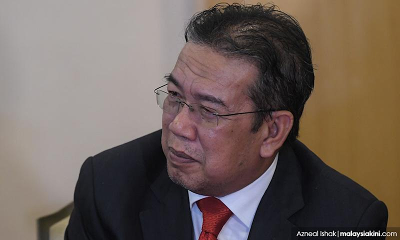 Despite apology, Umno continues to pile pressure on minister