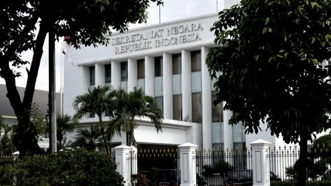 Gedung Sekretariat Negara Turut Dilempari Batu oleh Demonstran