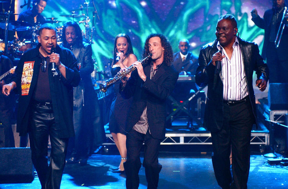 NYRE 2005 Earth Wind and Fire Kenny G_4