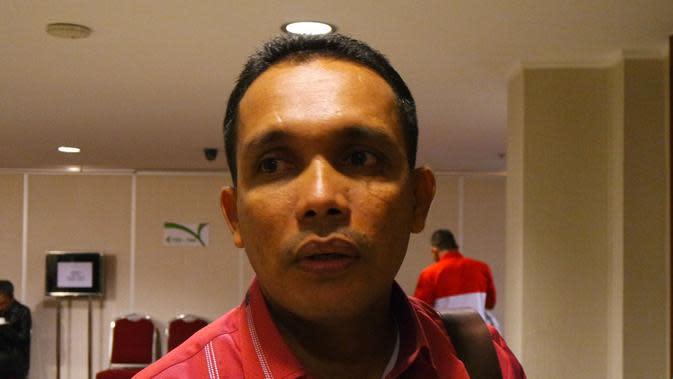 Rocky Bebena, Sekretaris tim Persipura saat hadir dalam Manager Meeting Piala Jenderal Sudirman 2015 di Hotel Atlet Century Park, Jakarta, Jumat (6/11/2015). (Bola.com/Arief Bagus)
