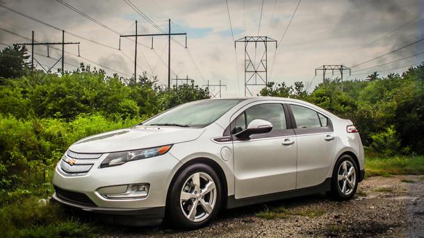 GM denies report of Chevy Volts rolling away with $49,000 loss on each