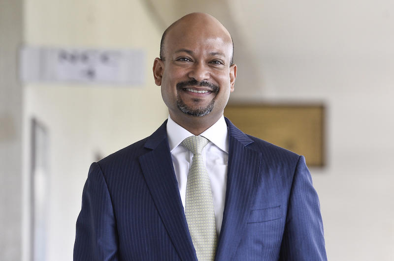 Former 1MDB Arul Kanda Kandasamy arrives at the Kuala Lumpur High Court January 16, 2020. — Picture by Miera Zulyana