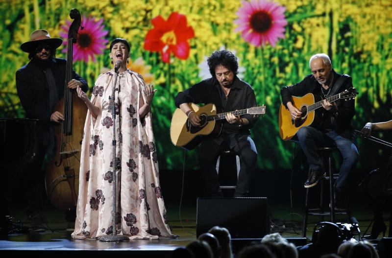 Across the Twitterverse: Fans Blast Katy Perry's Beatles Performance