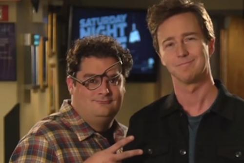 'SNL': Alec Baldwin, Miley Cyrus Tell Edward Norton How to Host (Video)