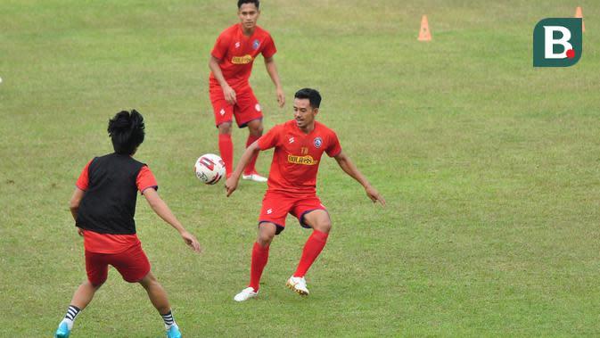 Bek Arema FC, Taufik Hidayat. (Bola.com/Iwan Setiawan)