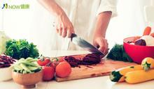 每4分42秒就有1人罹癌! 預防癌症,用餐時照著「吃飯指南」吃降低風險