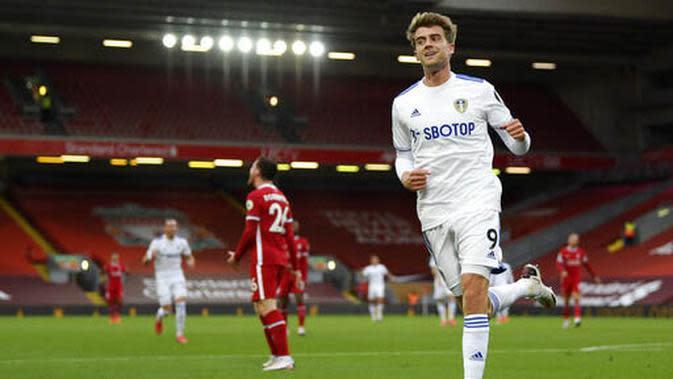 5. Patrick Bamford (Leeds United) - Anak asuh Marcelo Bielsa ini ikut meramaikan daftar top skor sementara Liga Inggris. Sejauh ini ia telah mencetak dua gol. (Shaun Botterill, Pool via AP)