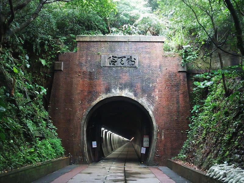 舊草嶺隧道