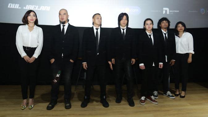 Sesuai dengan tema yang diusung, Dewa 19 akan membawakan semua lagu yang terangkum dalam album Bintang Lima. (Bambang E Ros/Fimela.com)