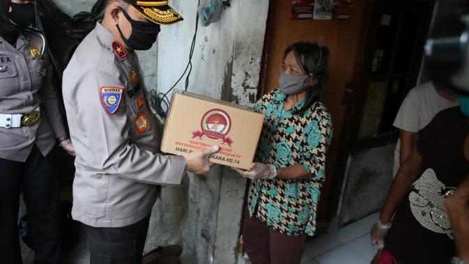 Memperingati hari Bhayangkara ke-74 pada 1 Juli 2020, Kepolisian Republik Indonesia gelar baksos serentak di seluruh Indonesia.