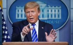 Usai heboh disinfektan, Trump pertimbangkan hentikan konferensi pers COVID-19