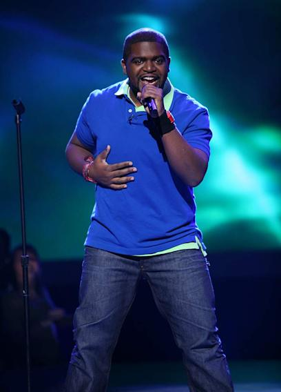 Chikezie performs as one of the top 20 contestants on the 7th season of American Idol.