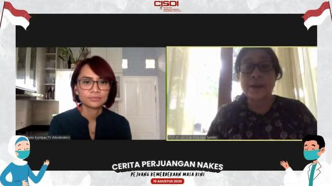 Prof. Dr. dr. Nila Moeloek, SpM(K) (Kanan), Menteri Kesehatan Republik Indonesia 2014-2019. Foto: CISDI.