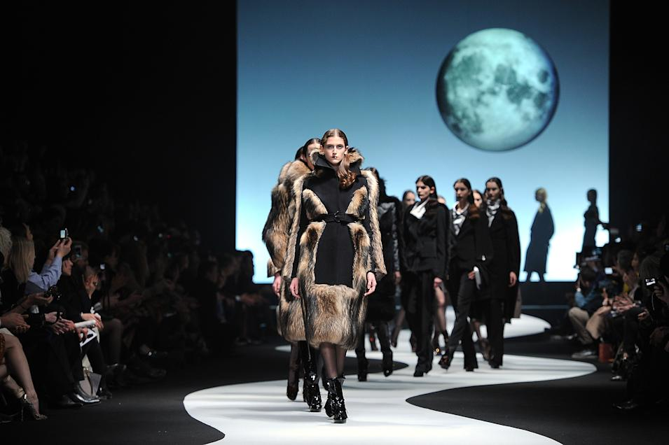 Viktor & Rolf: Runway - Paris  Fashion Week Womenswear Fall/Winter 2012