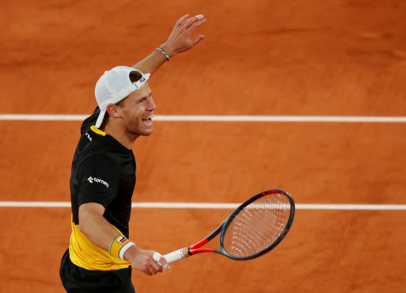 Schwartzman grinds down Thiem in five-hour battle to reach semis