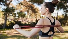 超簡單彈力帶瘦身5招!在家運動就能輕鬆瘦大腿、鍛鍊核心肌群