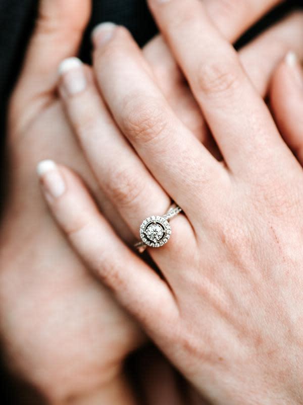 Ilustrasi cincin. (unsplash.com/zelle duda).