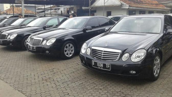 PT Blue Bird resmi melepas armada taksi eksekutif Mercedes Benz E 200 compressor lansiran 2009