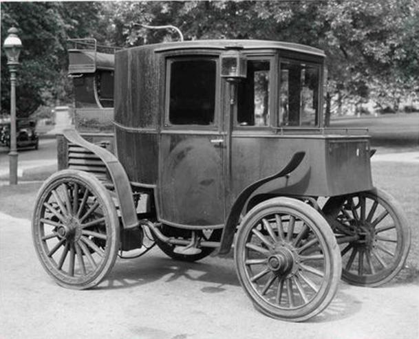 September 6: Andrew Riker sets a 29-mph speed record in his electric car on this date in 1900