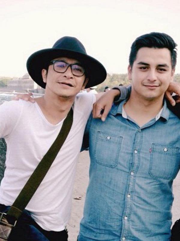 Meskipun tinggal bersama sang ibu di Amerika Serikat, namun Jordan Norkett tetap berhubungan baik dengan sang ayah yang memang tinggal di Indonesia. Terlihat ia mengunggah foto bersama Andy /Rif di Instagramnya. (Instagram/Jordannorkett)