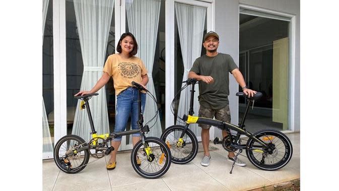 Jadi Tren, Ini 6 Gaya Artis Saat Bersepeda dengan Pasangan (sumber: Instagram.com/wendicagur)