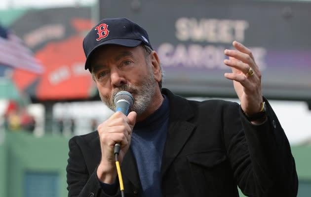 Neil Diamond Donates Week's Sales of 'Sweet Caroline' to Boston Marathon Bombing Victims