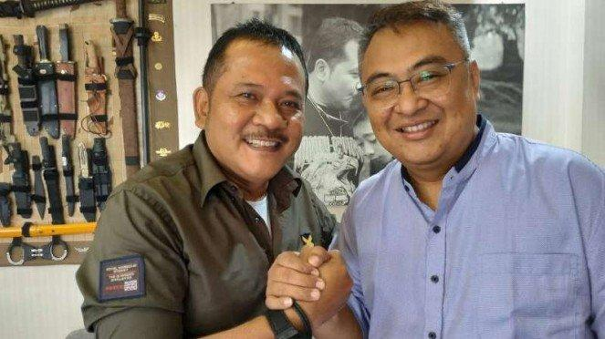 CEO Arema FC Agoes Soerjanto (kiri) bersema General Manager, Ruddy Widodo.
