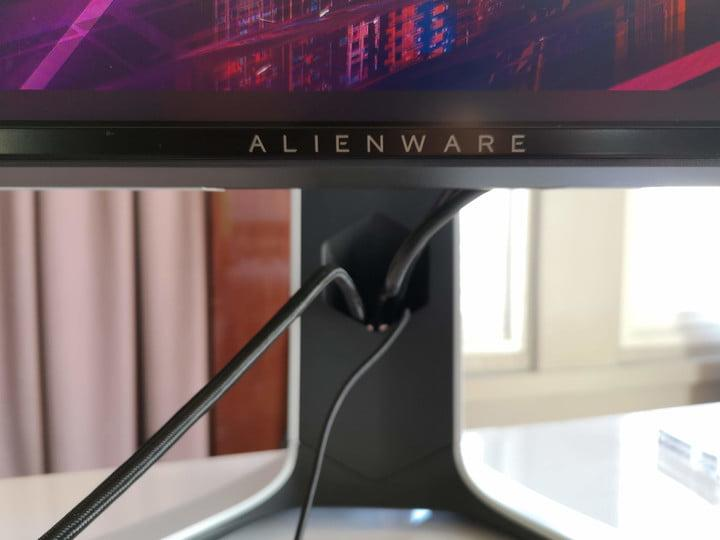 alienware gaming mouse keyboard monitor gamescom 2019 stand with cable management