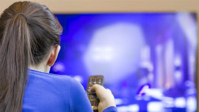 TV LED memiliki kelebihan dan kelemahan dibandingkan TV tabung. Apa saja kelebihan dan kelemahannya?